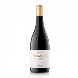 Shop Crianza Red Wine Finca Siós 2017 Bottle