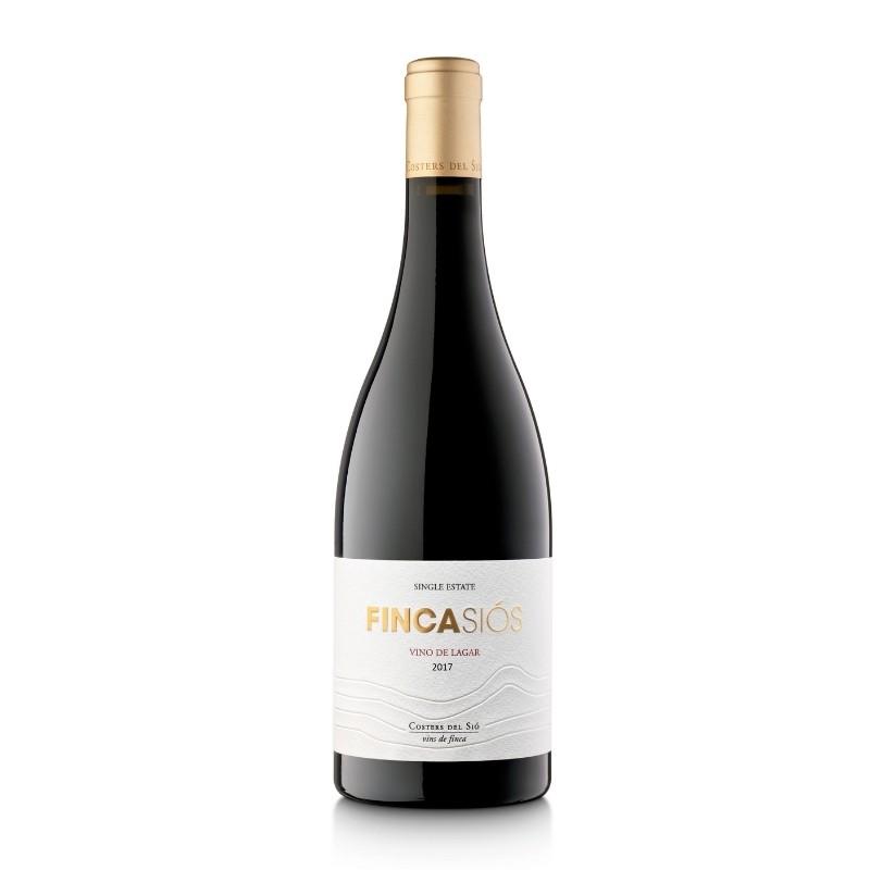 Shop Crianza Red Wine Finca Siós 2017 Bottle